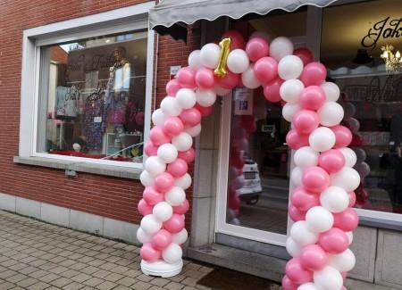 Ballonnenboog 1 jaar geopend