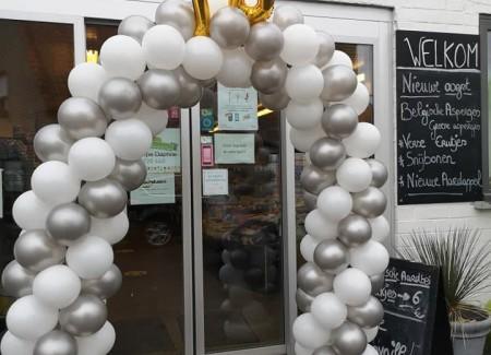 Ballonnenboog 10 jaar geopend