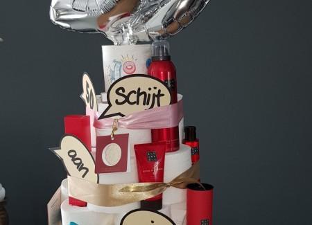 Schijt aan je leeftijd taart 4